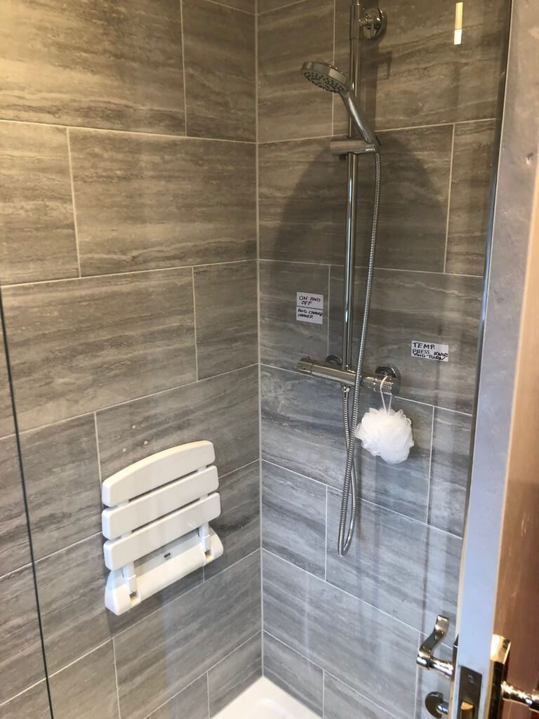 Bathroom Fitters and Installations Farnborough Woking Guildford